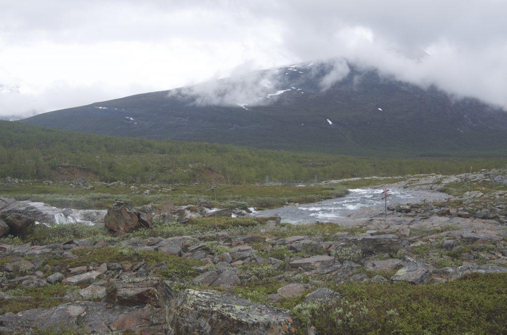 개울, 산, 구름, 돌