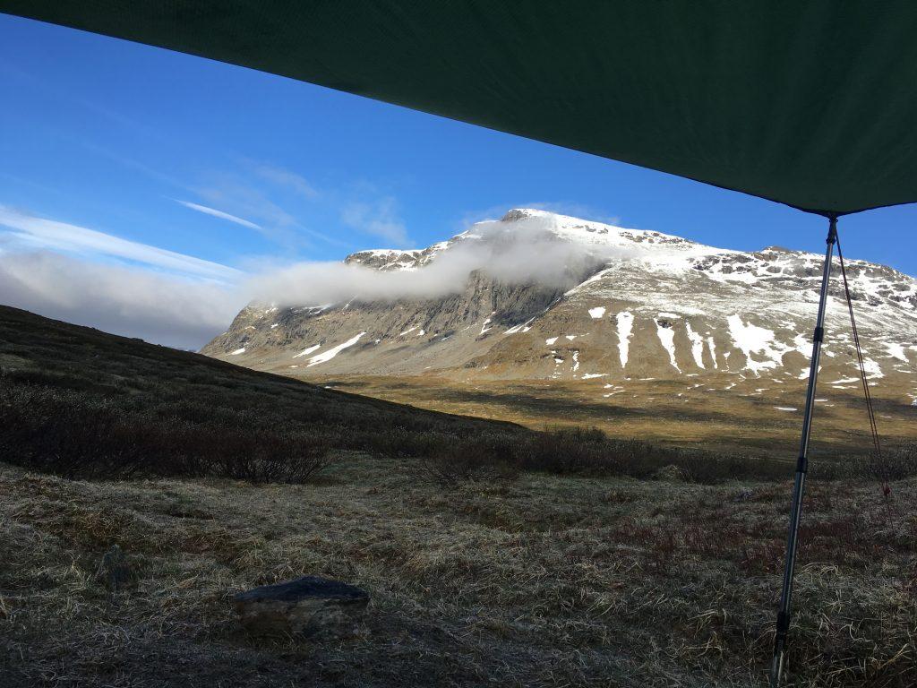 아침에 일어나 tent에서 바라본 풍경