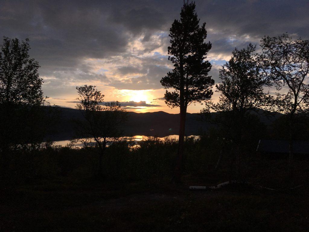 Saltoluokta 새벽 풍경 (3시) - 역광