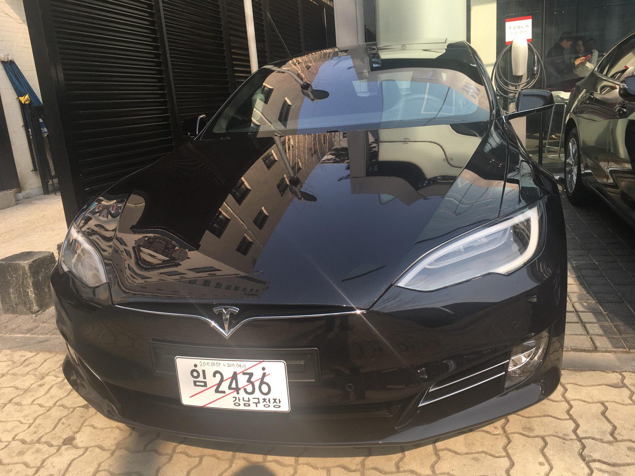 테슬라 모델 S 블랙