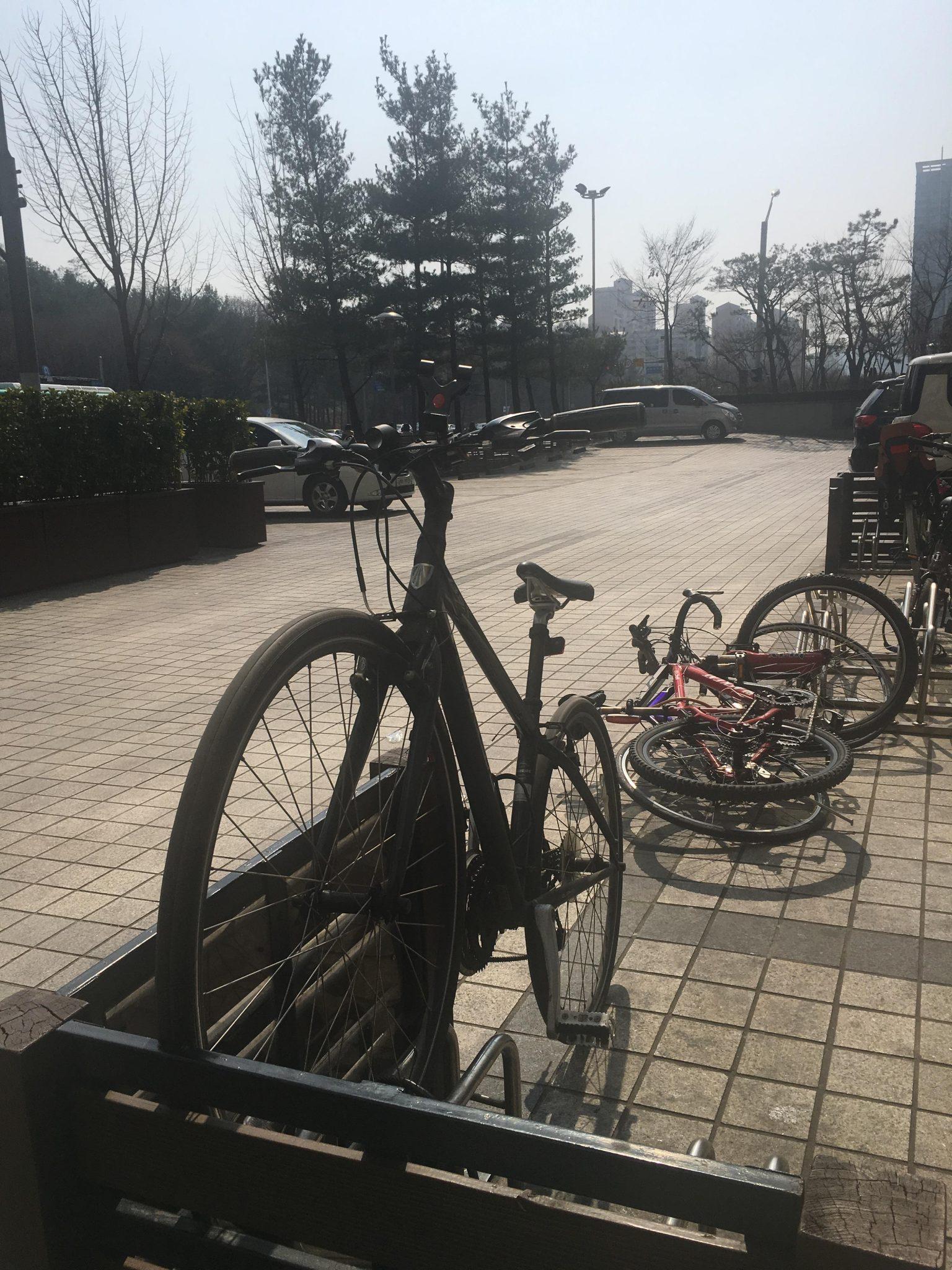 영풍문고 서현점 자전거 주차